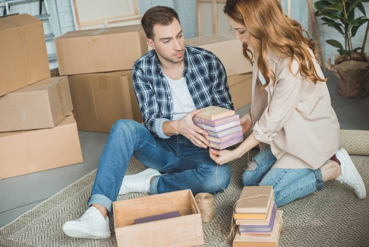 pack books for moving